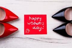 Счастливая поздравительная открытка дня ` s женщин стоковое фото rf