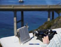 Счастливая работа в солнечности Стоковая Фотография RF