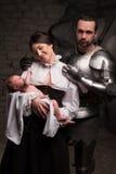 Счастливая средневековая семья стоковое изображение