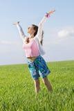 Счастливая славная молодая женщина стоковые изображения rf