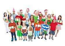 Счастливое рождество семьи изолированное на белизне Стоковые Изображения RF