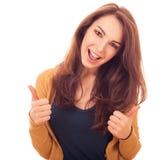 Счастливые выставки женщины показывать О'КЕЫ 2 руки Стоковая Фотография RF