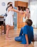 Счастливые дети играя с безпассудством Стоковое Изображение RF