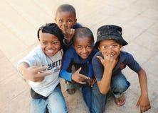 Счастливые дети на Мадагаскаре антенн стоковые изображения