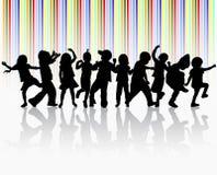 Счастливые дети танцуя совместно иллюстрация штока