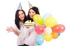 Счастливые женщины празднуют день рождения Стоковая Фотография RF