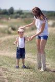 Счастливые мать и сынок Стоковое Изображение RF