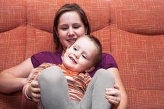 Счастливые мальчик и мать ребенка Стоковое фото RF