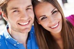 Счастливые молодые пары Стоковые Фото