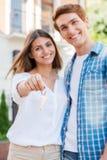 Счастливые домовладельцы стоковые фотографии rf