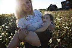 Счастливые дочь и мама Стоковое фото RF