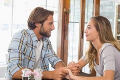 Счастливые пары на дате Стоковые Изображения RF