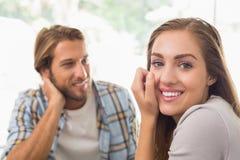 Счастливые пары на дате Стоковое Изображение