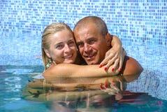 Счастливые пары на каникуле Стоковые Фотографии RF