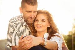 Счастливые совместно - пары в влюбленности стоковое изображение rf