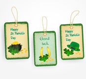 Счастливые стикеры с символами дня Патрика - зеленая шляпа, удачливая подкова, листья клевера, монетки и бак дня St. Patrick Стоковое Изображение RF