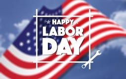 Счастливый американец Дня Трудаа, знаки текста, запачкал американский флаг и голубое небо в предпосылке Стоковые Изображения RF