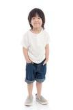 Счастливый маленький азиатский мальчик на белой предпосылке стоковое изображение rf