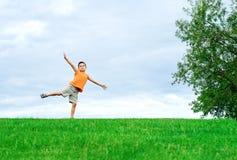Счастливый мальчик в парке, Стоковое фото RF