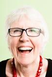 Backgroun зеленого цвета определения счастливых людей портрета женщины реальных высокое Стоковые Изображения RF