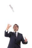 Счастливый при диплом бросая его в воздухе Стоковое Фото