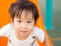 Счастливый ребенк, азиатский играть ребенка младенца Стоковое Фото