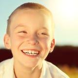 Счастливый ребенк внешний стоковое фото rf