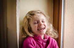 счастливый смеяться над малыша Стоковая Фотография RF