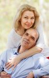 Счастливый старший человек и зрелая женщина Стоковое фото RF