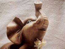 Счастливый слон стоковые фотографии rf