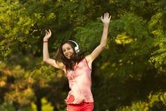 Счастливый танец 2 Стоковые Изображения