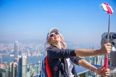 Счастливый турист на пике Виктории Стоковая Фотография RF