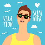 Счастливый человек на летних каникулах Стоковое Изображение