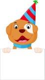 Счастливый шарж собаки держа пустой знак Стоковое фото RF