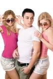 2 счастливых белокурых женщины с красивым молодым человеком Стоковые Изображения RF