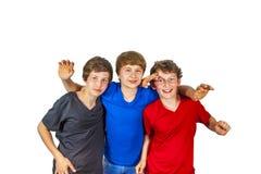 3 счастливых riends наслаждаются жизнью стоковое изображение rf