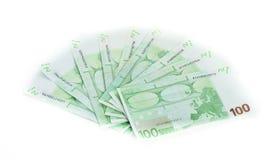 100 счетов евро изолированных на белой предпосылке Стоковое Изображение