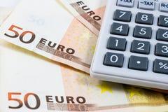 50 счетов евро и калькулятор Стоковое Изображение RF