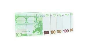 100 счетов евро на белой предпосылке банкноты c Стоковые Фото