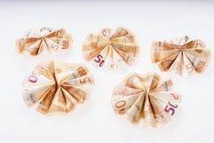 5 50 счетов евро сложенных в круглой форме Стоковые Фотографии RF