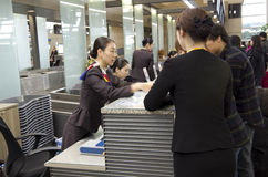 Счетчик регистрации Asiana Airlines на airpor Инчхона Стоковые Фото