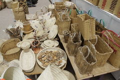 Счетчик с плетеными вещами Стоковая Фотография RF