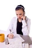 счеты делают список девушки делая оплачивать предназначенный для подростков к Стоковое Фото