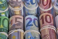 Счеты евро больше всего используемые европейцами то из 5 10 20 50 Стоковая Фотография RF