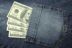 счеты 100-доллара в карманн Стоковое фото RF