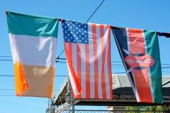 США и флаги Ирландии с некоторым другим Стоковые Фотографии RF