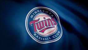 США - НЬЮ-ЙОРК, 12-ое августа 2018: Конец-вверх развевая флага с Минесотой дублирует логотип бейсбольной команды MLB, безшовную п стоковая фотография rf