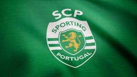 США - НЬЮ-ЙОРК, 12-ое августа 2018: Резвясь флаг Португалии развевает Развевая флаг с резвиться футбол Португалии бьет логотип стоковая фотография rf