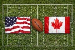 США против Флаги Канады на поле рэгби Стоковые Фотографии RF