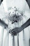 Съемка крупного плана bridal букета цветка держала a Стоковые Фотографии RF